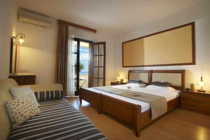 HOTEL AKRATHOS BEACH - OURANOPOLIS (4).jpg