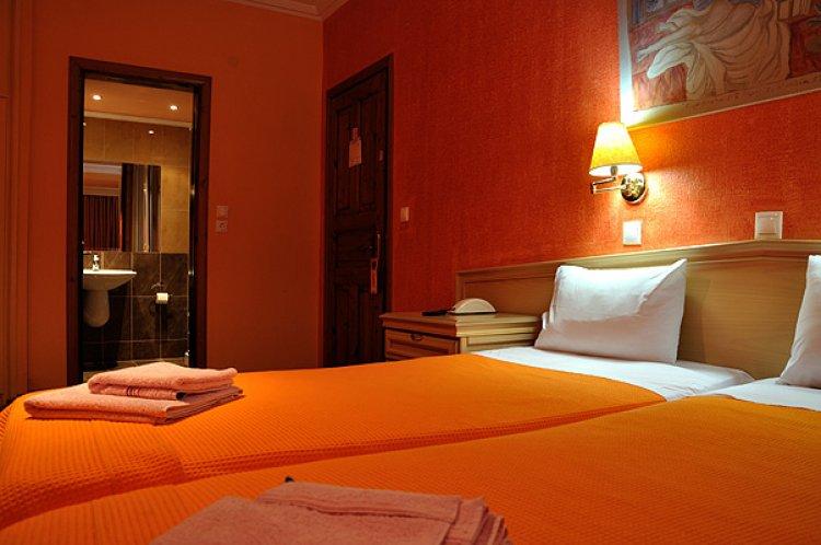 grecia_insula_thassos_limenas_hotel_pegasus_camera.jpg