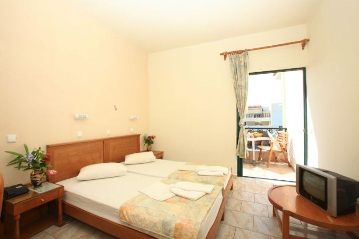 Diogenis-Palace-4-hotel-gouves-heraklion-crete-greece-room.jpg