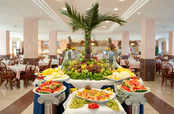 21GRESTAURANT_TAU_buffet2011.jpg
