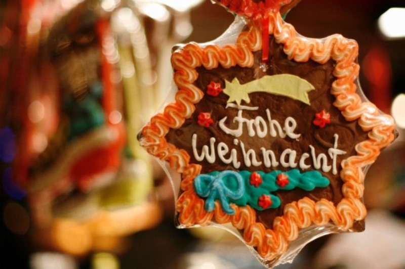 2011-Christmas-Market-in-Vienna-Sweets-Source-bayerntrips.com_.jpg