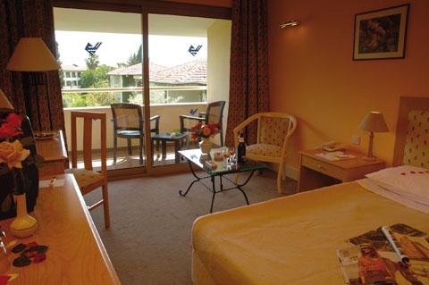 Hotel Barut Acanthus camera.jpg