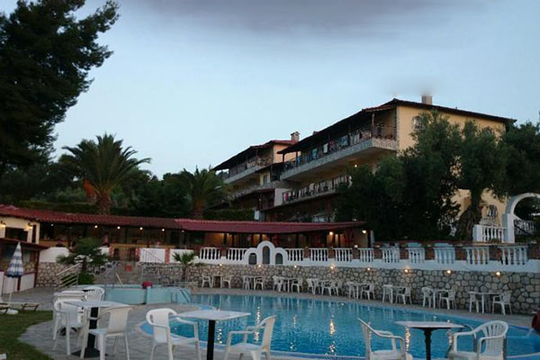 pool_area_kassandra_bay_hotel_filos_travel_g_6151_Gallery.jpg