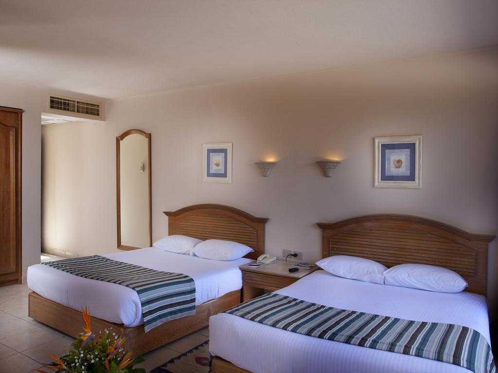 hurghada-coral-beach-hotel-triple-room-with-sea-view-31_15558281841.jpg
