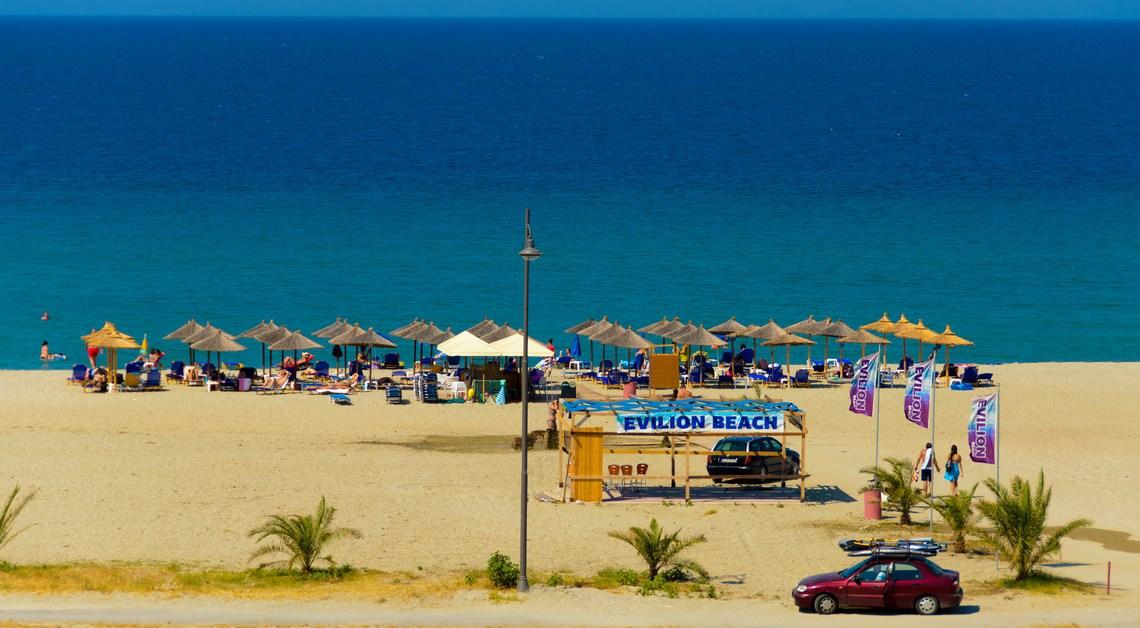 EvilionHotel plaja.jpg