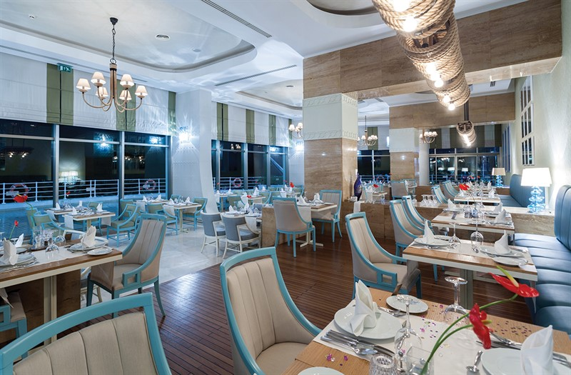 Titanic Beach - restaurants (1)_800x525.jpg