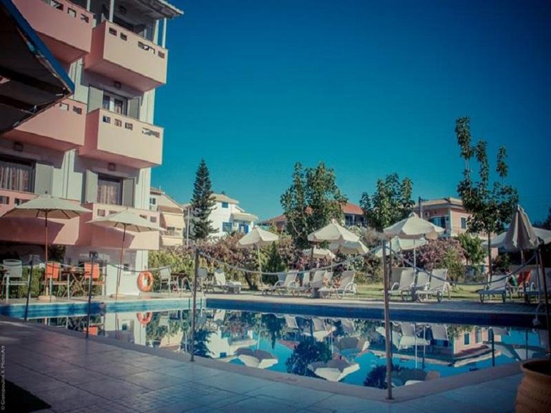 Palmyra-piscina.jpg