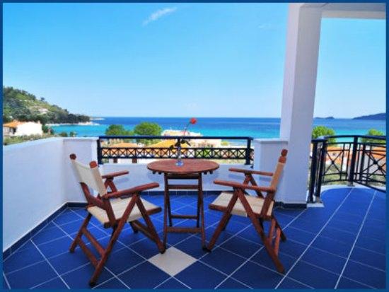 Balcon Vila Atinia.jpg
