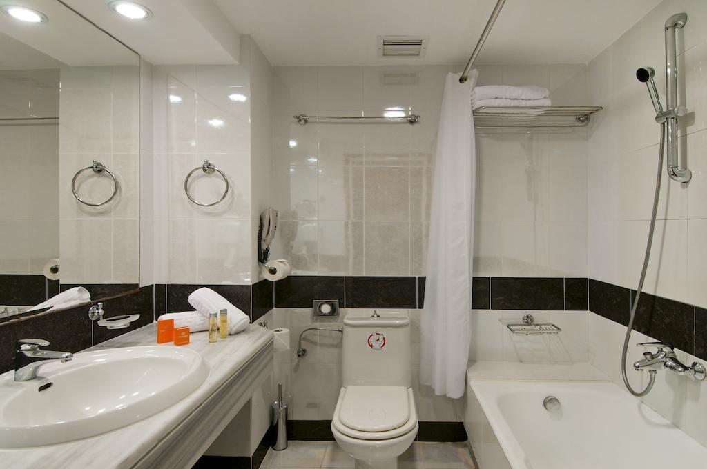Kipriotis Panorama & Suites1..jpg