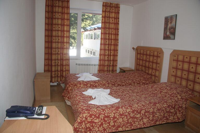 Economy_room_2-768x512.jpg