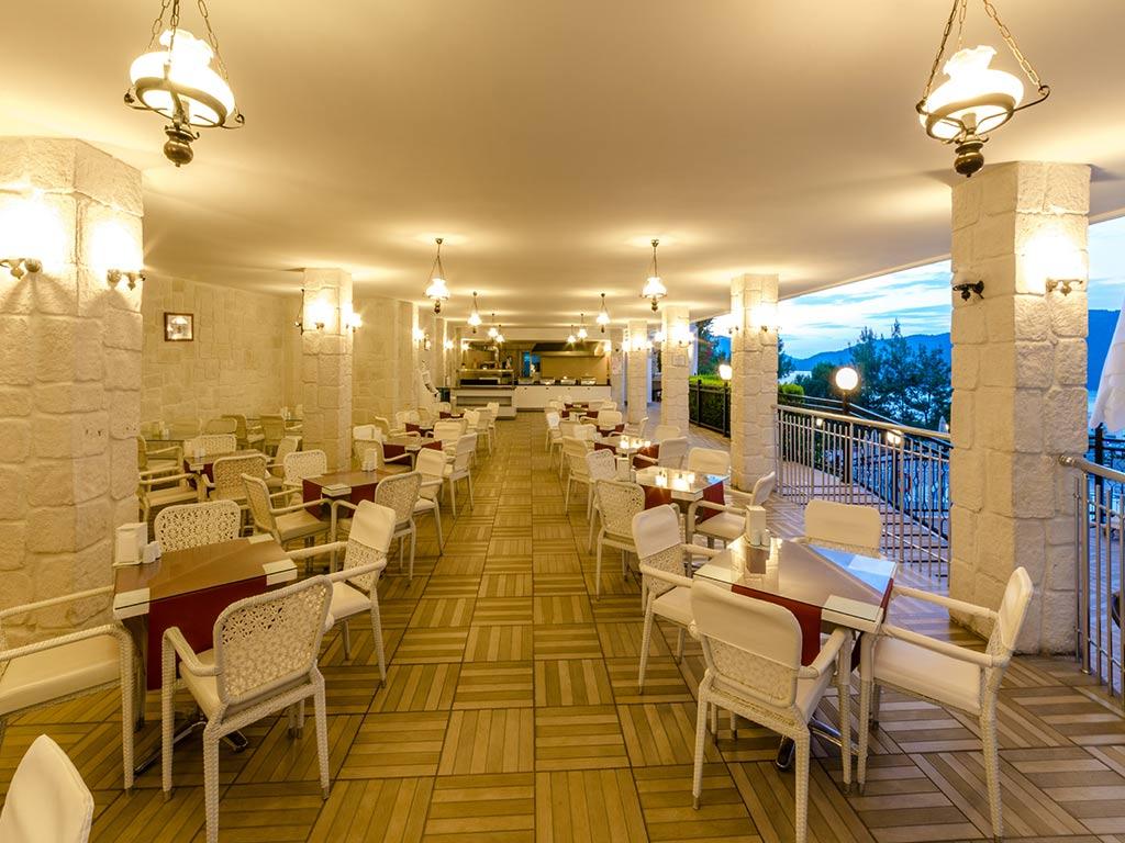 iphotels_ideal_panaroma_diva_restaurant_08.jpg