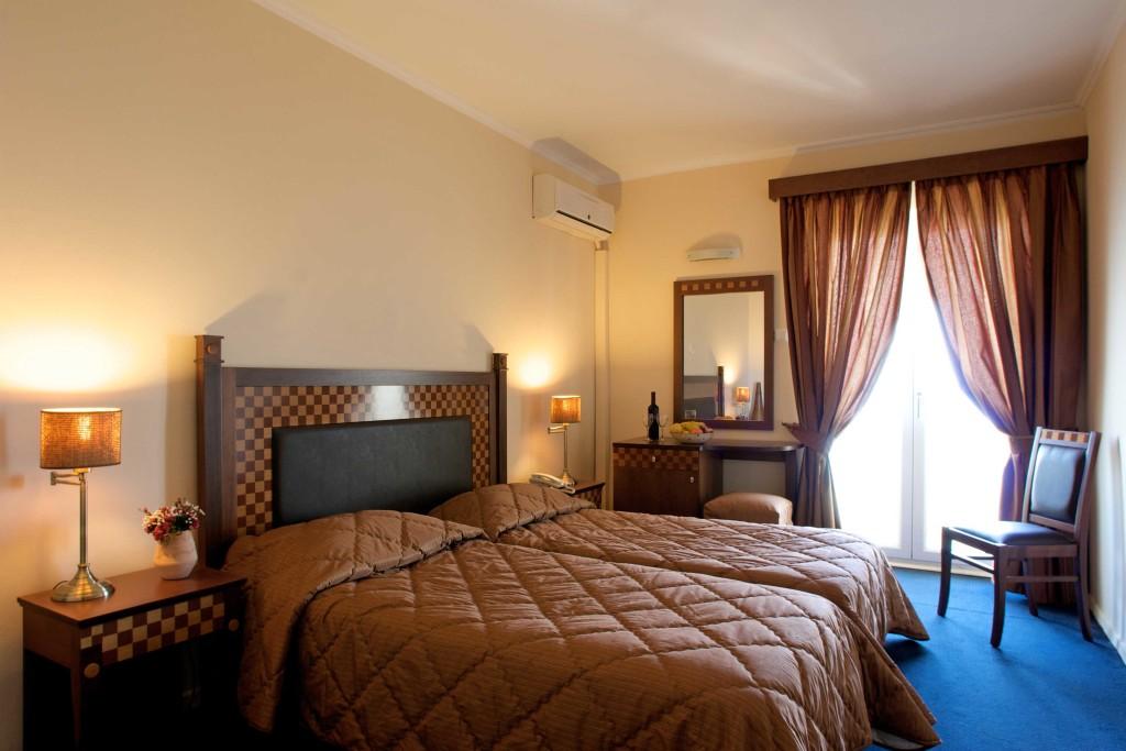 hotel-pontikonissi-rooms-06-1024x683.jpg