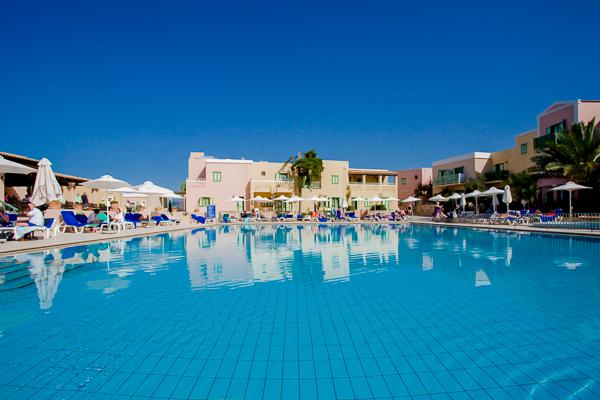 Creta, Hotel Aquis Silva Beach, piscina exterioara.jpg