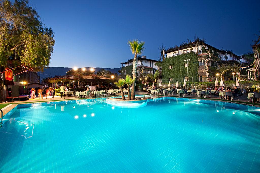 Club-Hotel-Titan-001.jpg