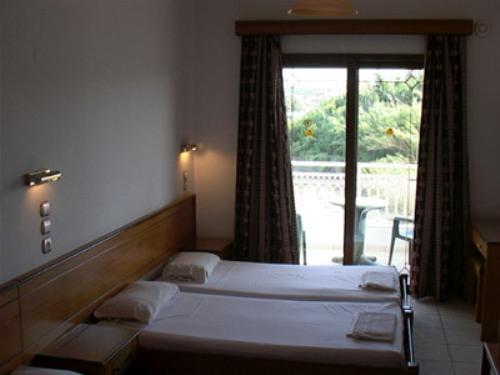 Hotel Grecian Fantasia camera.jpg