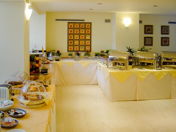 Rodos, Hotel City Center, restaurant.jpg