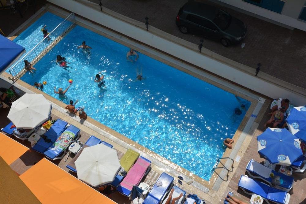 Alanya, Hotel Kleopatra Arsi piscina.jpg