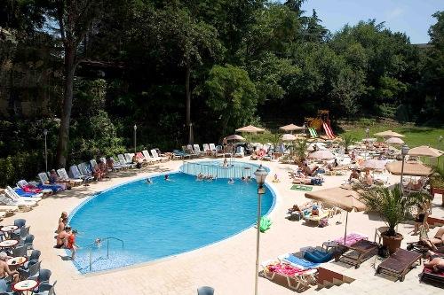 Hotel Odessos piscina.jpg