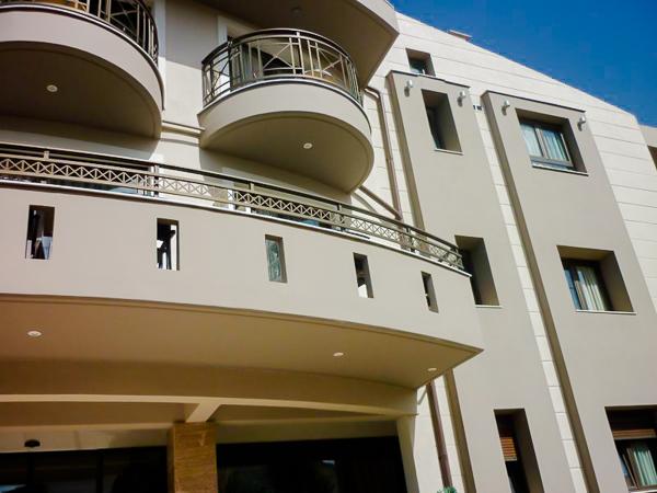 Thassos, Hotel Thalassies, exterior.jpg