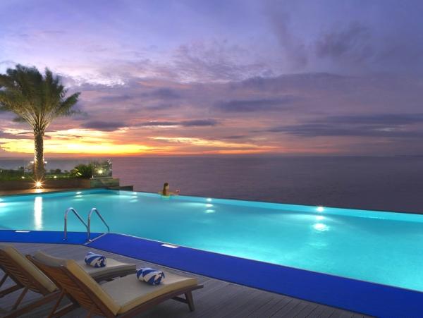 Dubai, Hotel Habtoor Grand, piscina.jpg