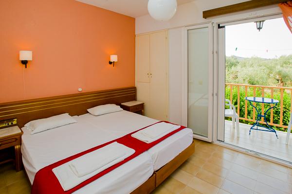 Lefkada, Hotel Thalero Holidays Center, camera dubla, pat, vedere mare.jpg