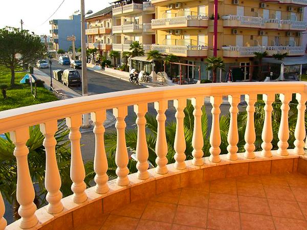 Paralia Katerini, Hotel-apartment Alexander, camera dubla, balcon.jpg