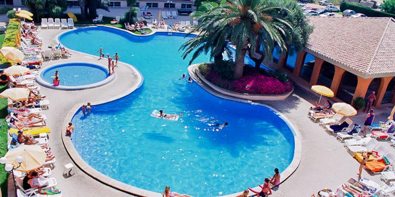 Costa Brava, Hotel Hotenco Luna Park, piscina exterioara.jpg