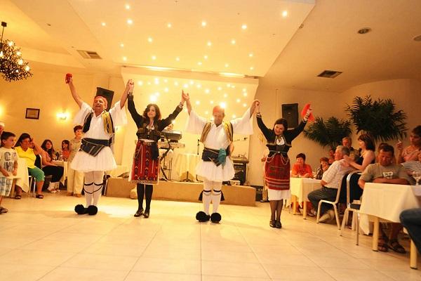 Paralia Katerini, Hotel Yakinthos, interior, seara greceasca.jpg
