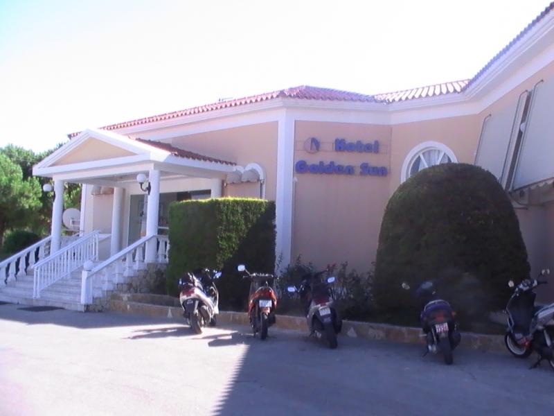 4de4be800cfb8-hotel_golden-sun_zakynthos_grecia_03.jpg