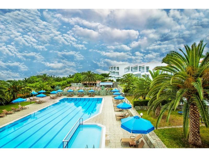 XENISO PORT MARINA HOTEL piscina.jpg