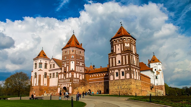 castle-2107534_640.jpg