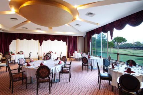 Hotel Sueno Golf restaurant.jpg