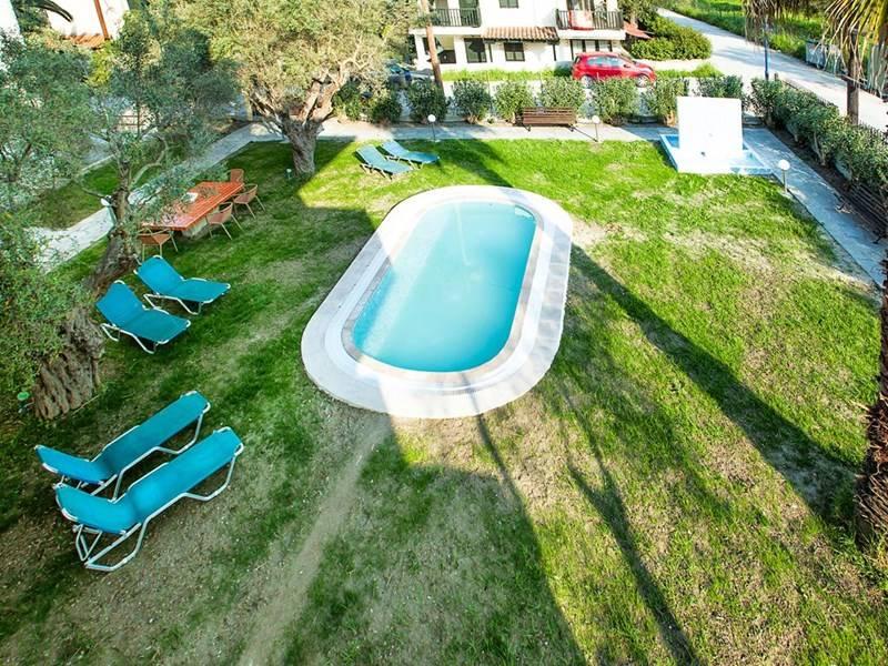 lemon-garden-villa-39425-232533.jpeg