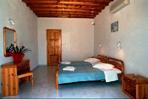 2631759-Anemos-Apartments-Mykonos-Guest-Room-6.jpg