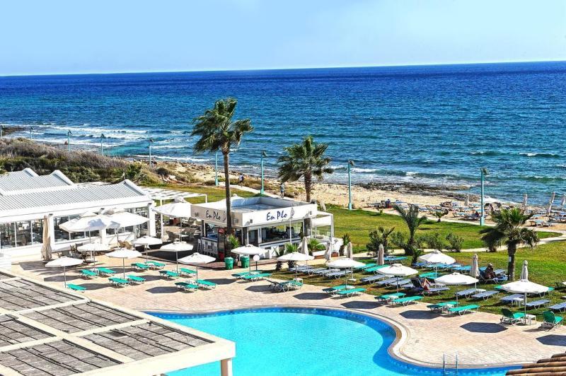 Pierre Anne Beach Hotel (3).JPEG