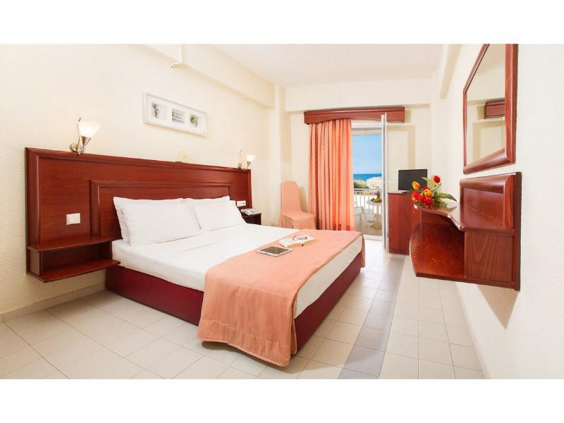 XENIOS LOUTRA VILLAGE HOTEL CAMERA.jpg