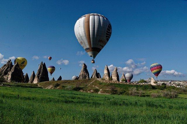 cappadocia-4657122_640 (1).jpg