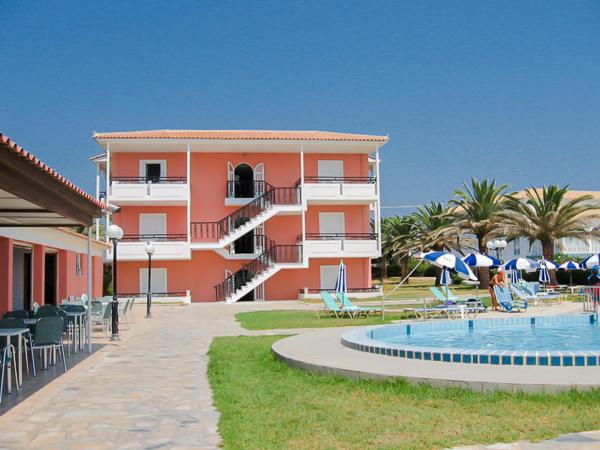 Zakynthos, Hotel Astir Beach, piscina, terasa.jpg