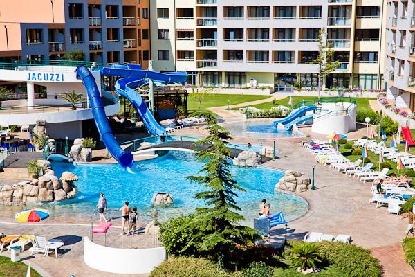 Sunny Beach, Hotel Trakia Plaza, piscina, tobogane.jpg