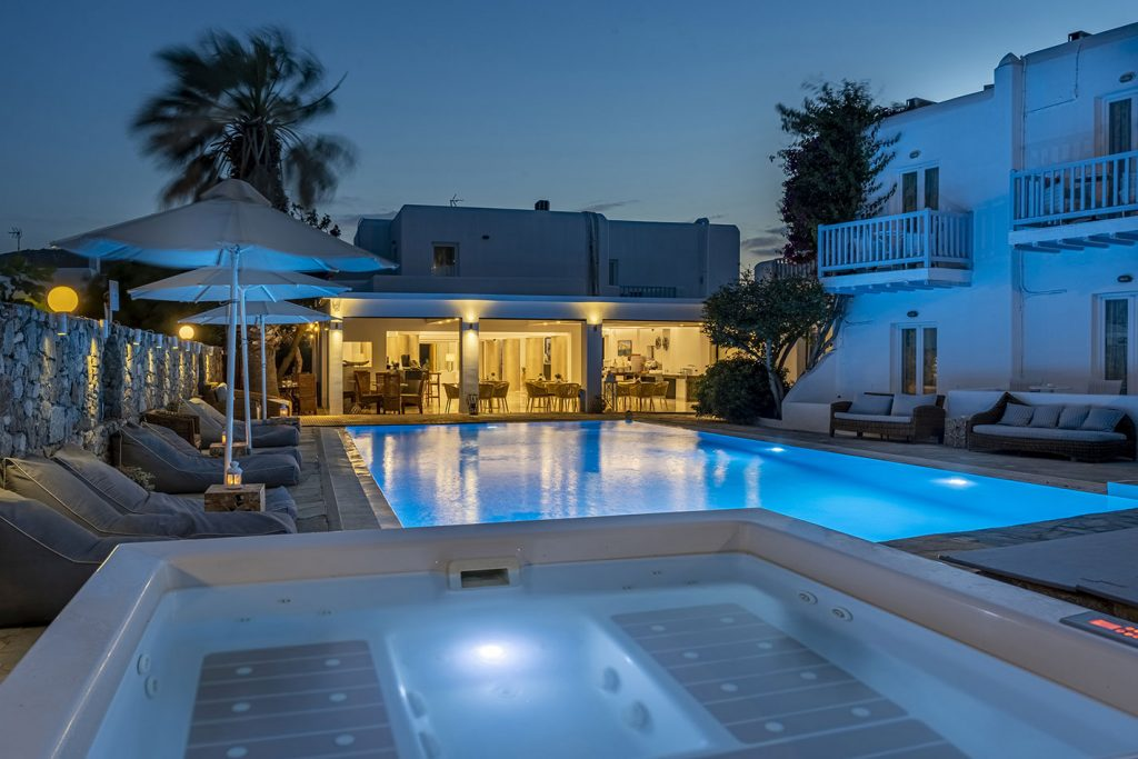 Dionysos Luxury Hotel