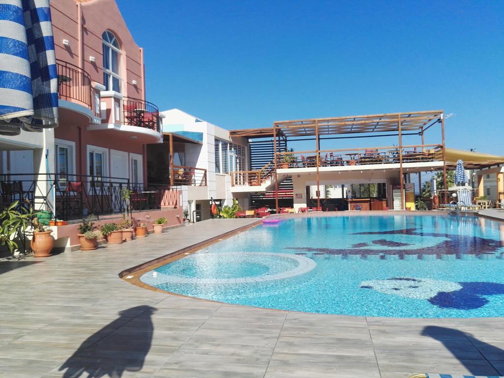 EPIS HOTEL.jpg