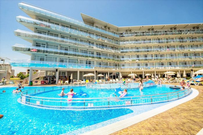 Aqua Nevis hotel.jpg