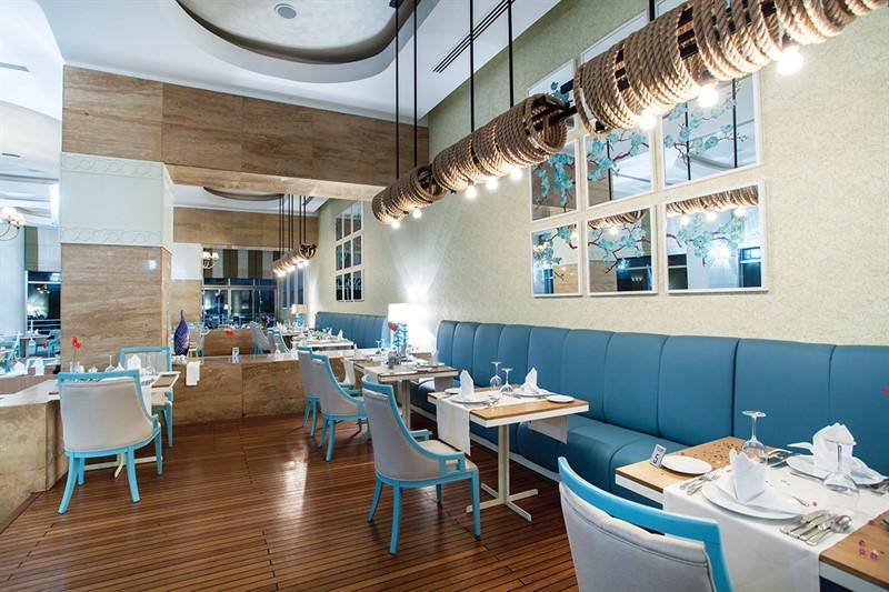Titanic Beach - restaurants (2)_800x533.jpg