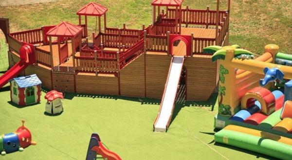 Rodos, Hotel Virginia, loc de joaca pentru copii.jpg