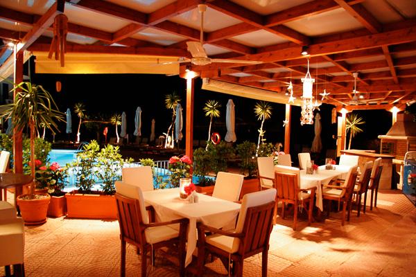 Hotel G George, Lefkada, exterior, terasa, restaurant.jpg
