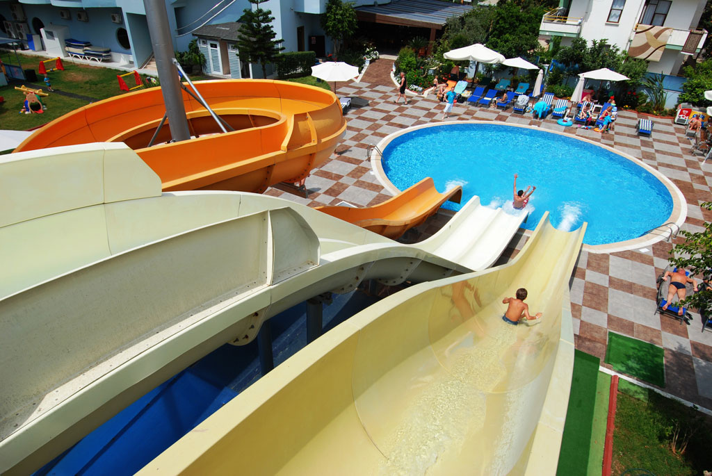 2grand_zaman_garden_hotel_aqua_pool_01.jpg