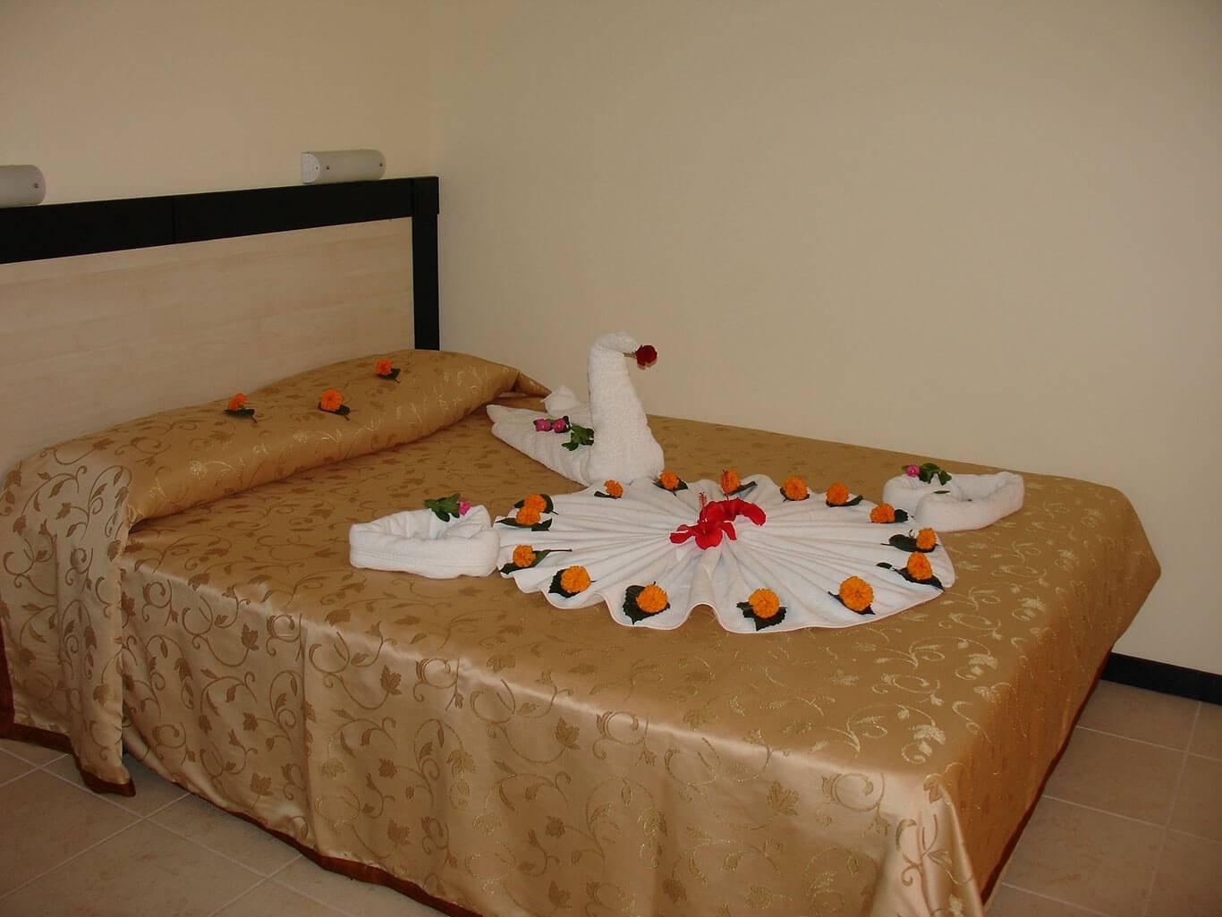 SILVER HOTEL 2.jpg