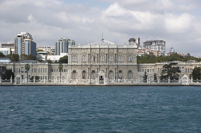 dolmabahce-palace-2394619_640.jpg