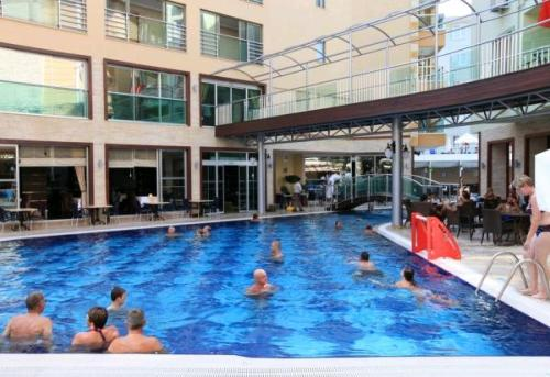 Hotel Tac Premier and Spa piscina.JPG