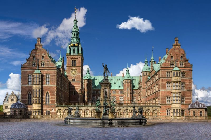 Frederiksborg hello holidays.jpg